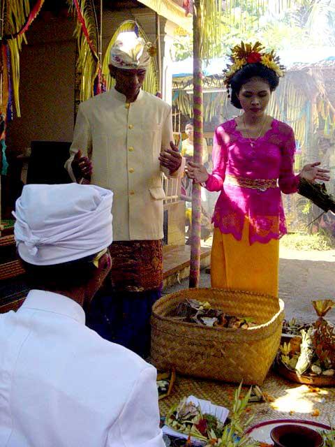 Balinese Wedding Ceremony (Discover Bali Indonesia Photo